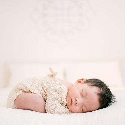 Lifestyle Newborn Session – Toronto Photographer