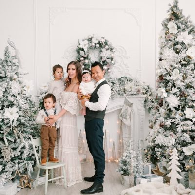 Toronto Christmas mini sessions at Mint Room Studios