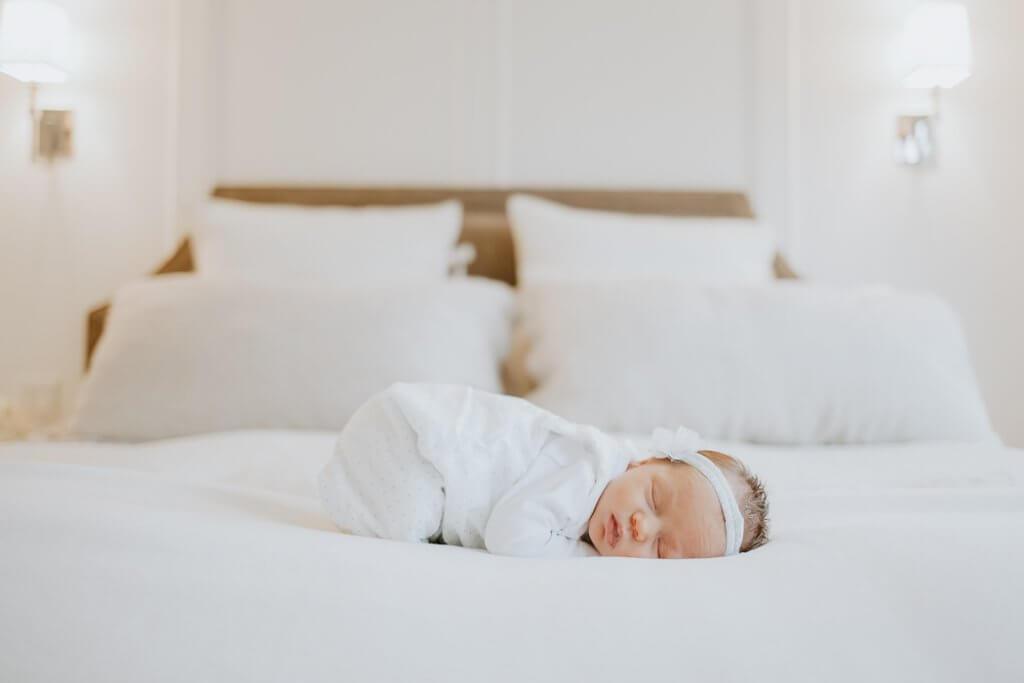 toronto newborn photographer