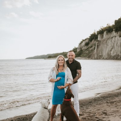Dreamy Maternity Beach Portraits – Scarborough Bluffs