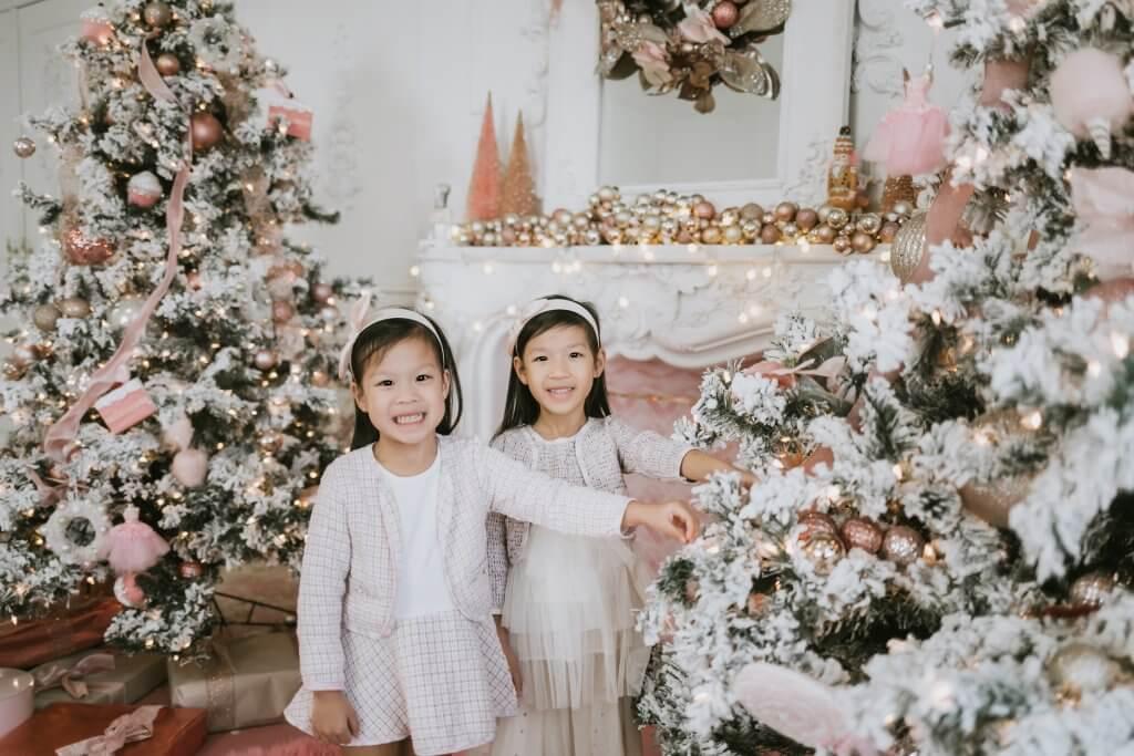 Mint Room Christmas photographer in Toronto