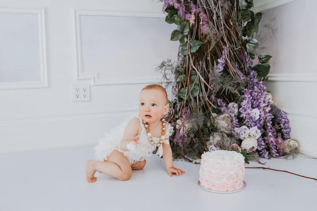 cake smash photographer in Toronto